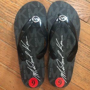 New Women's Michael Kors Flip Flops Size 6